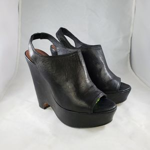 Elizabeth & James Strut Black Leather Platform 7